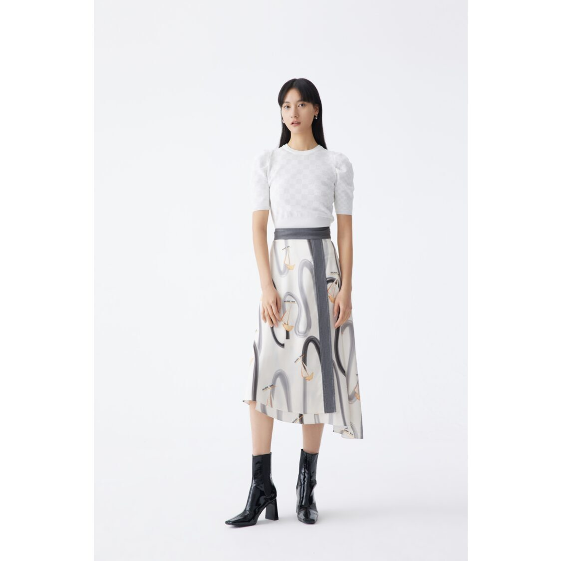Lily Printed Asymetrical Hem Skirt White