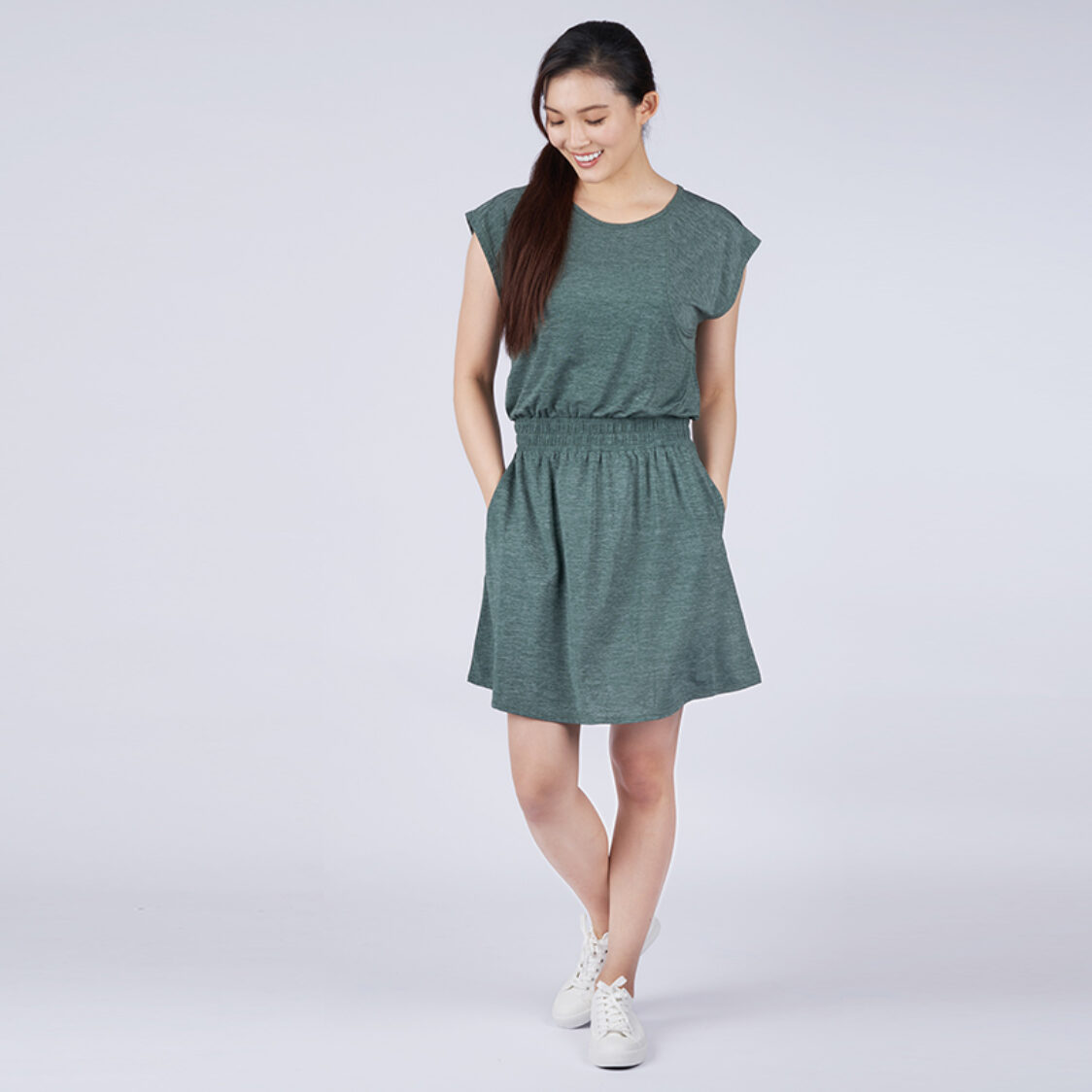 Yumi Active Airy Escape Dress Heather Forest